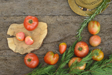 Red raw tomatoes