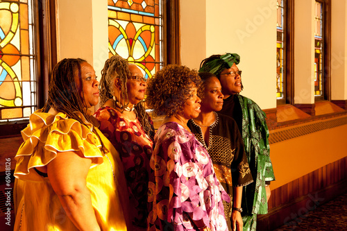 Group of African woman performers - 69618126