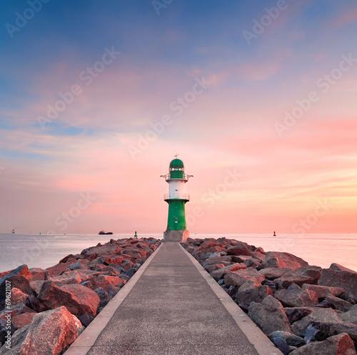 canvas print picture Leuchtturm an der Mole