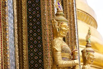 Statua dorata. Palazzo Reale,Bangkok