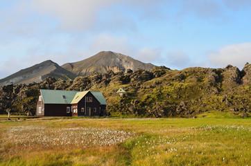 Исландия, Ландманналёйгар, домик в горах