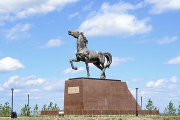 "Кокшетау, памятник ""Кулагер"""