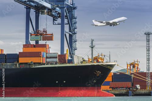 Container Cargo freight ship - 69626148