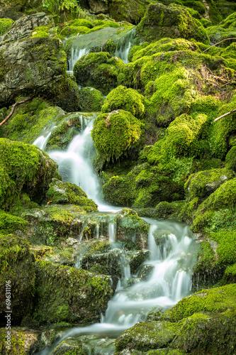 Die Blaueisgletscherquelle bei Ramsau im Berchtesgadener Land - 69631196