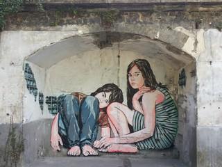 Street art deux fillettes