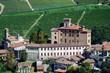 Il castello di Barolo e la Chiesa (Cn) - Piemonte