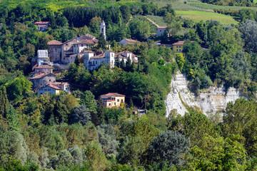 Paese di Clavesana - Langhe - Piemonte