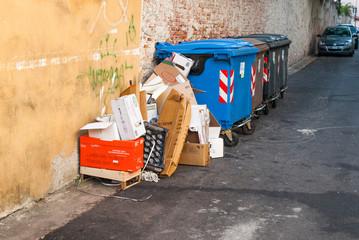 Bidoni della spazzatura, rifiuti riciclare