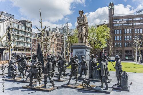 Papiers peints Amsterdam Rembrandt statue in Amsterdam, Netherlands