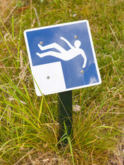 Falling hazard sign