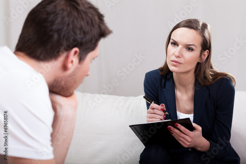 Psychotherapy session interview - 69658174