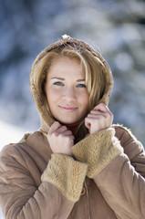 Junge Frau, die Kapuzenjacke , Portrait , close-up