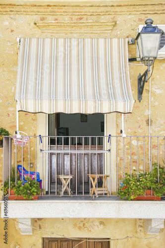 canvas print picture Fenêtre à Nicotéra
