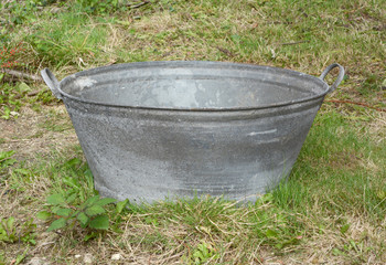 Empty tin bath