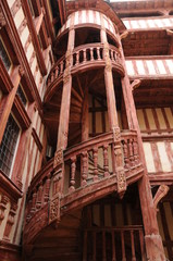 Escalier extérieur d'une maison de Troyes