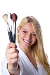 Frau mit Make up Pinsel
