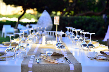 Wedding guest set-up present