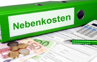 Nebenkostenordner mit Geld und Taschenrechner, grün