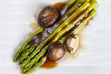 fresh asparagus and shiitake fried in oyster sauce