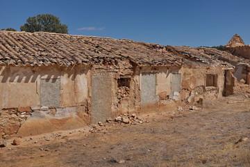 Maison en ruine murée