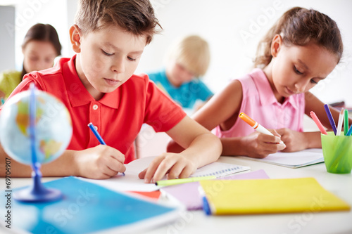canvas print picture Busy learners