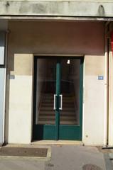 Entrée d'immeuble n° 118 ou 120 ?