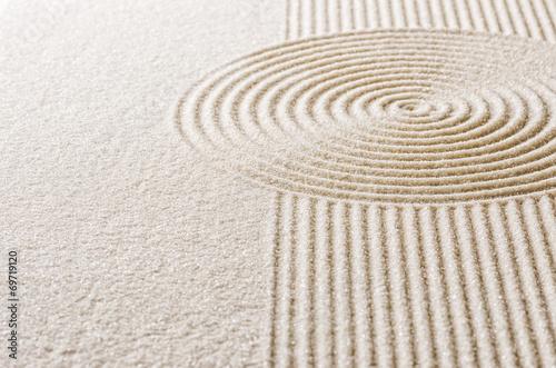 canvas print picture Sand mit Linien und Kreisen