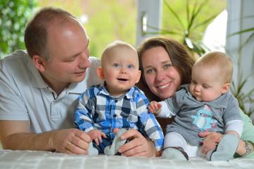 Vater, Mutter Sohn und Tochter