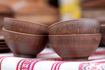 глиняные миски