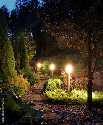 Papiers peints Jardin Illuminated garden path patio
