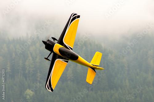 Leinwanddruck Bild Flugzeug – Modellflugzeug - Tiefdecker