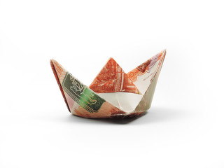 origami ship of five thousand ruble note