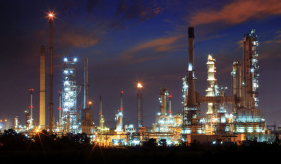 beautiful landscape dusky sky of heavy industry oil refinery pla