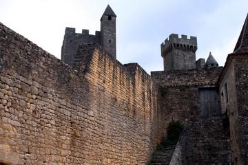 Donjon et  tour château roque gageac