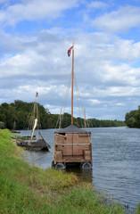 Holzboote auf der Loire