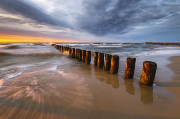 Falochrony nad Morzem Bałtyckim