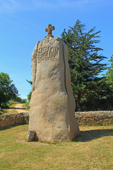 Christianisierter Menhir Saint Uzec Frankreich