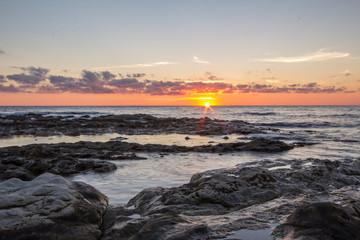 Prime luci del mattino al mare