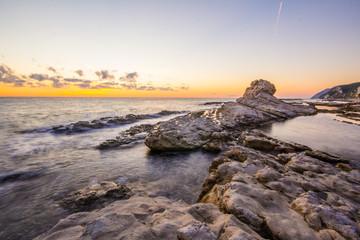 Alba sul mare italiano