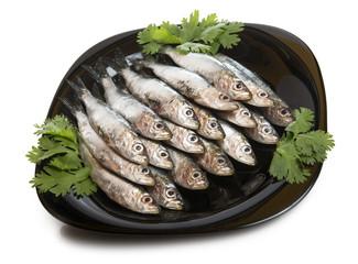 Sardinillas frescas en plato