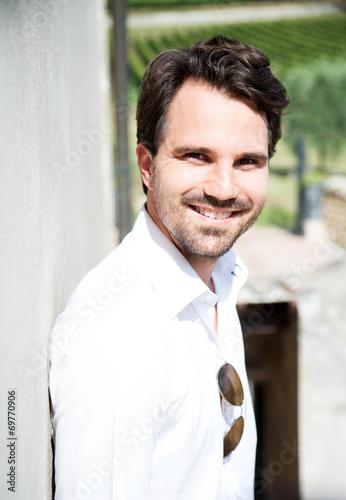 canvas print picture Mann mit weißem Hemd