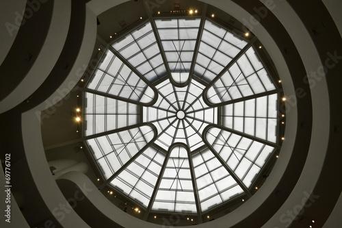Tuinposter Poort Guggenheim Museum window