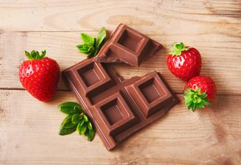Composizione di fragole e cioccolato