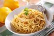 spaghetti al limone con aglio e pepe