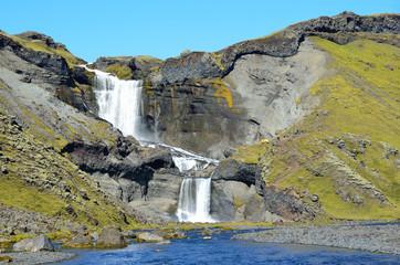 Исландия, водопад Оуфайруфосс в вулканическом, каньоне Элдйау