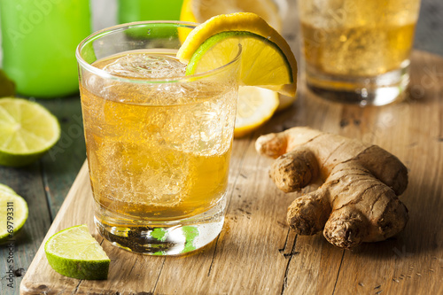 Leinwandbild Motiv Organic Ginger Ale Soda