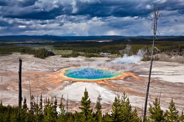 USA - Yellowstone NP, prismatic pool