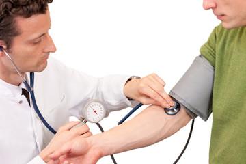 Blutdruck messen beim Arzt