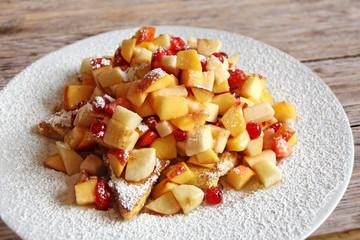 french toast mit früchten