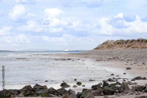 Aluminium Schipbreuk bulk tanker at rocky beal beach